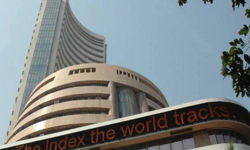 Markets snap 4-day winning streak on weak global cues