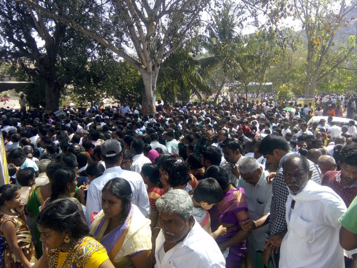 Devotees in thousands converge at Gopulaipally temple for darshan