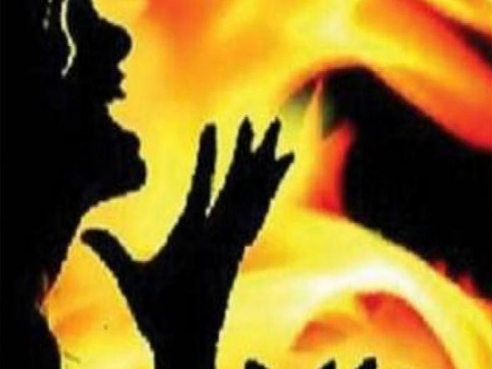 West Bengal man burnt to death after woman he raped, set ablaze grabs him while on fire: Cops