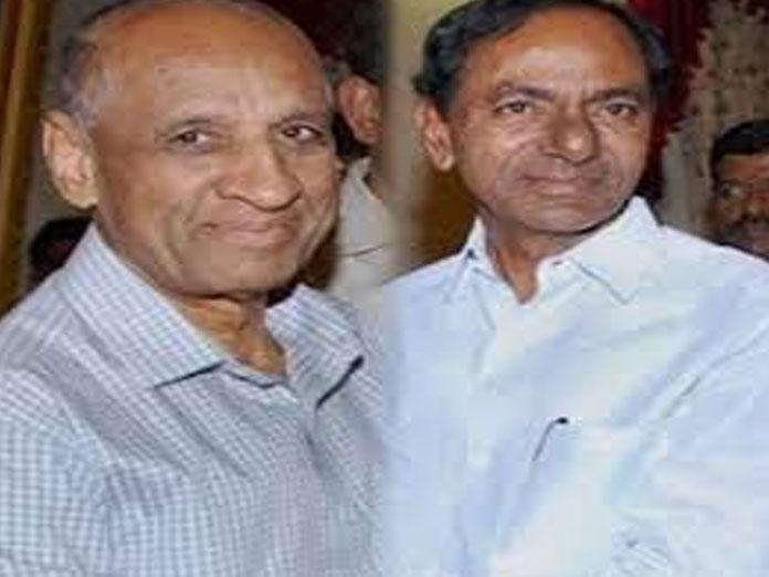 Governor, KCR greet people on Shivaratri