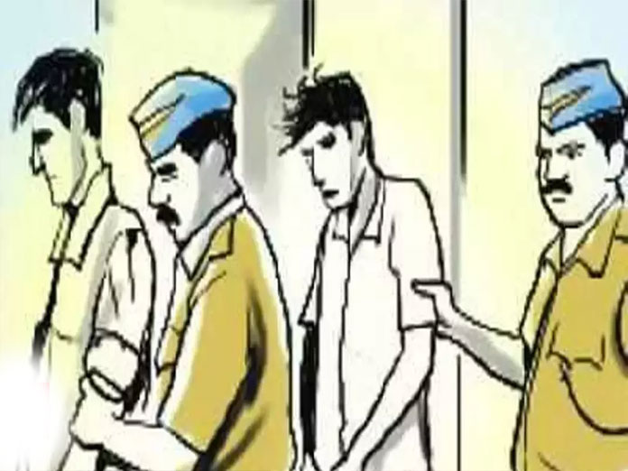 Two held for duping bank in Hyderabad