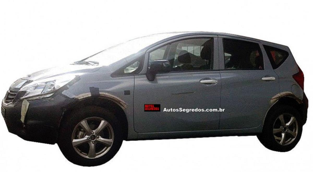 Nissan Kicks compact crossover SUV tested on Brazil roads