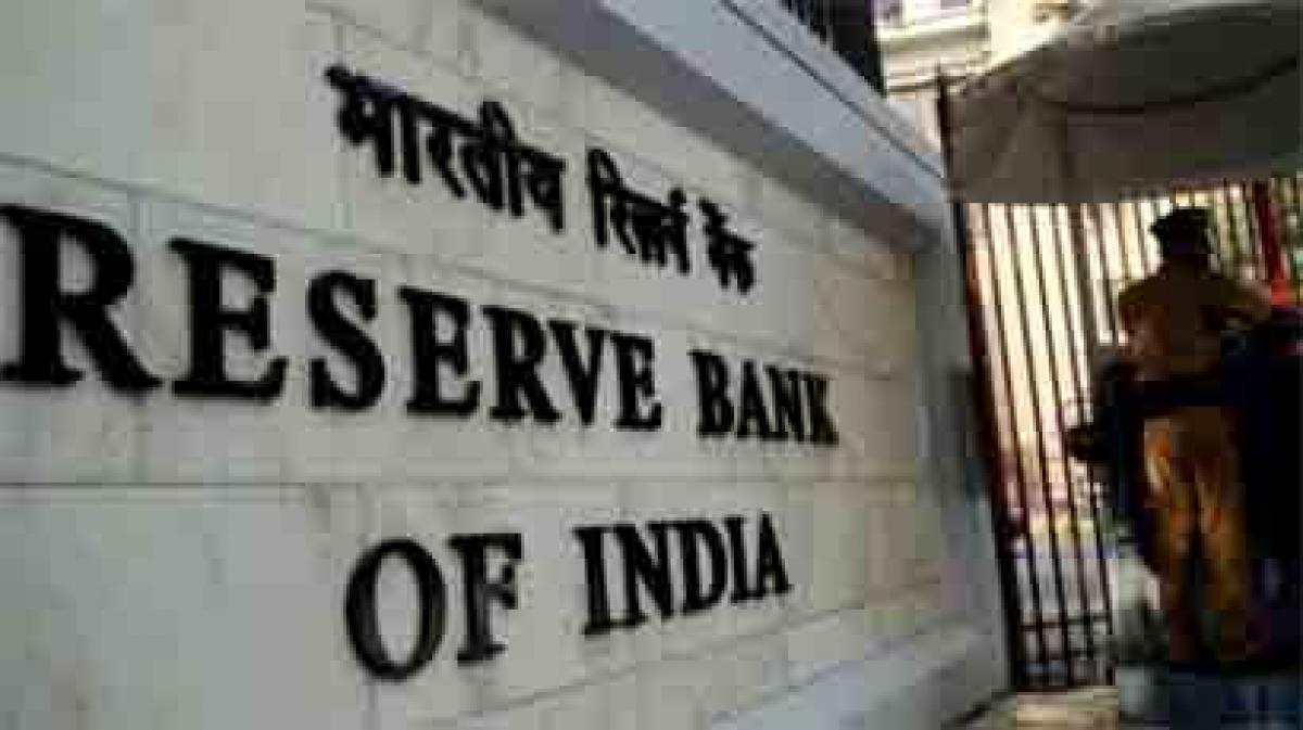 RBI asks banks to stop Rs 1,000 notes without security thread