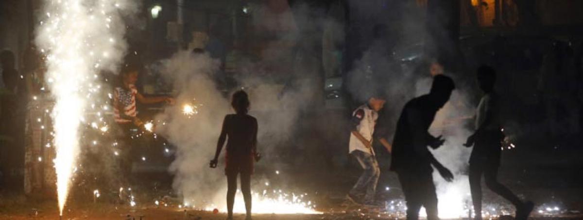 Delhi gasps as air quality dips post-Diwali