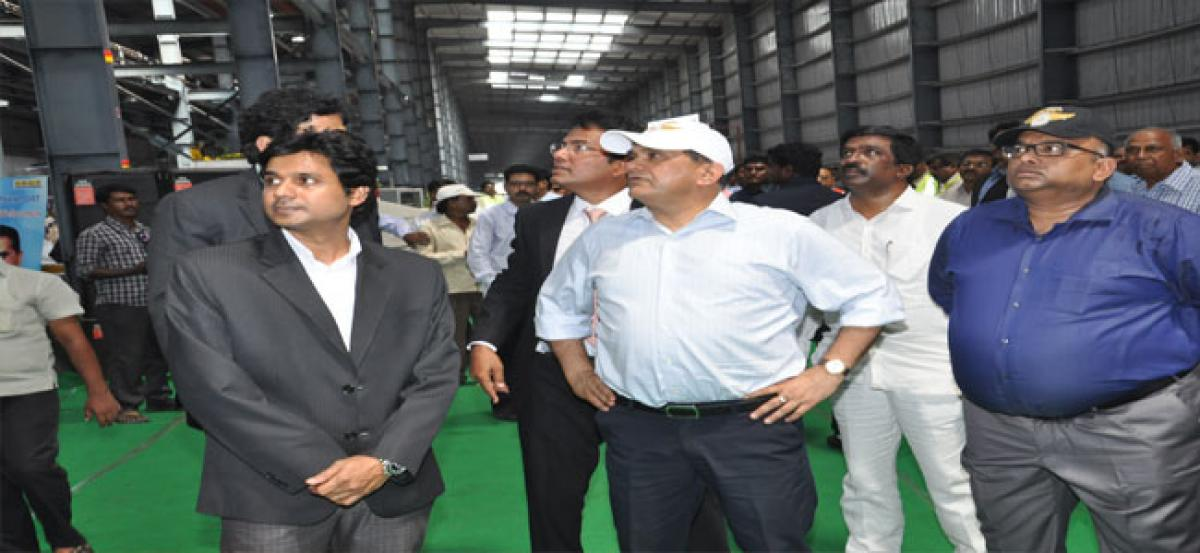 Venkaiah Naidu reviews progress of ongoing projects in state