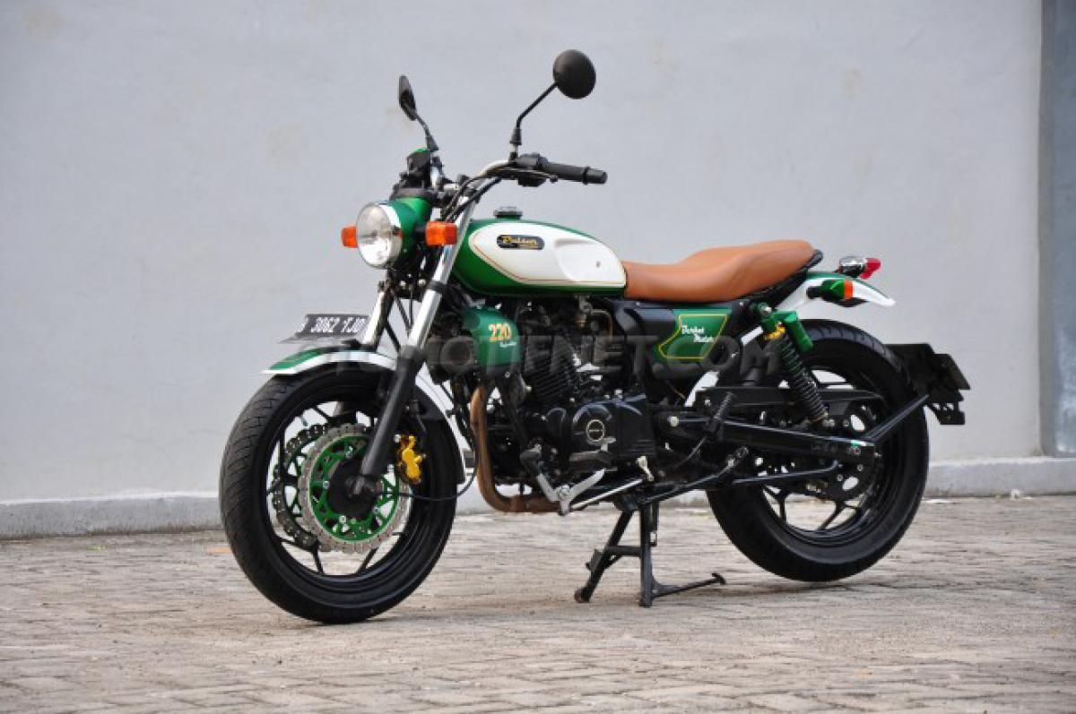 Check out: Bajal Pulsar 220F turns retro classic