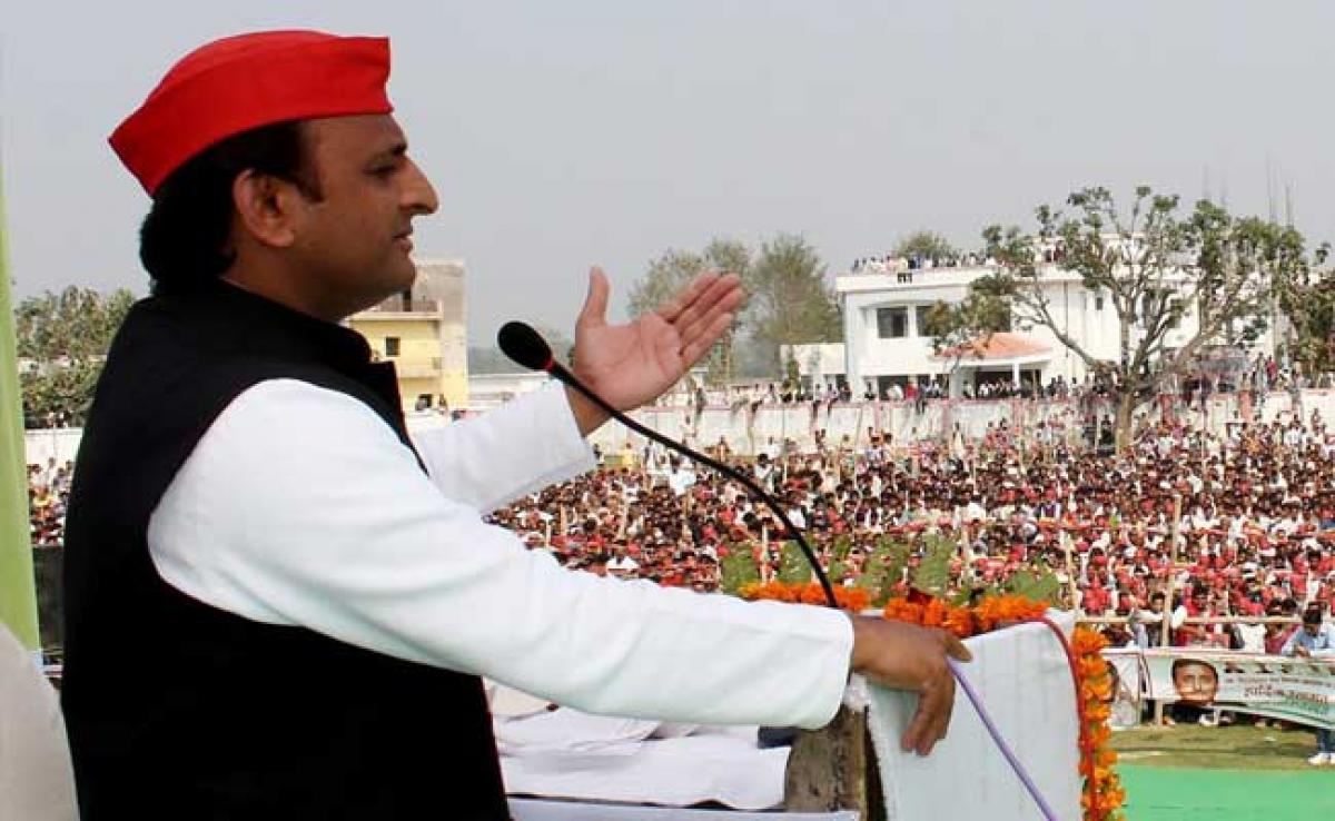 UP Elections 2017: Why PM Modi Waiting For Polls To Waive Farmers Loans? Asks Akhilesh Yadav