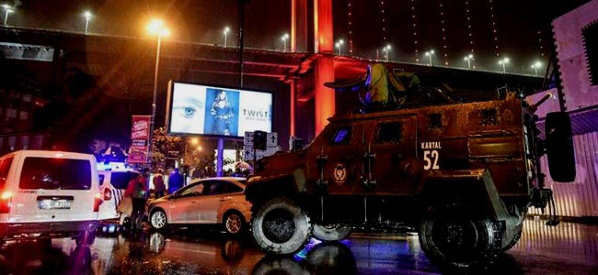 Manhunt continues for Istanbul nightclub attacker
