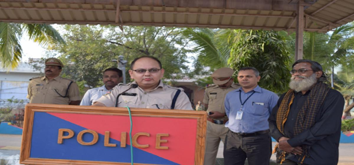 Go for digital transactions,Police chief tells people