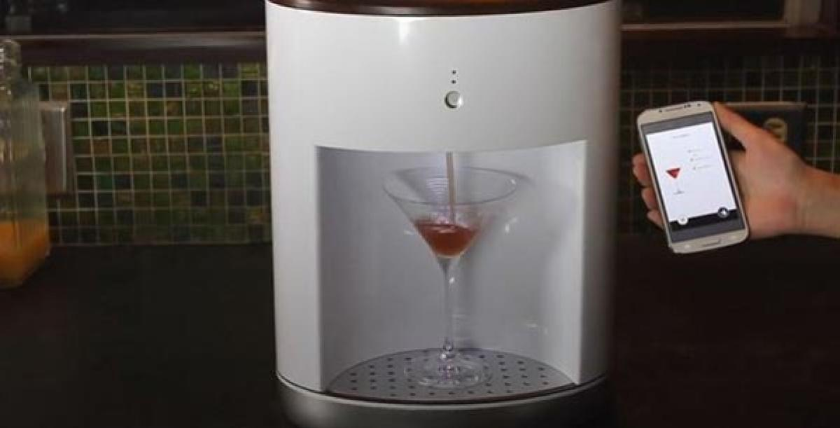 Robotic bartender is the cocktail wizard every kitchen needs