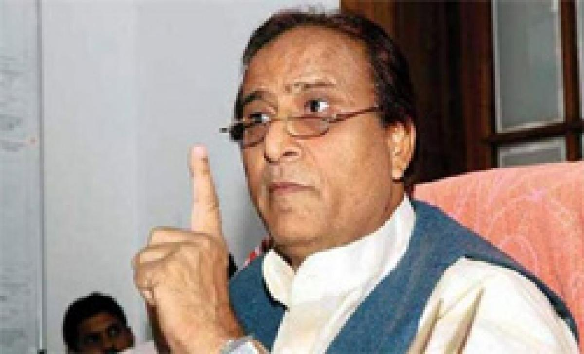 Azam Khan takes on Narendra Modi, says will raise communal violence at UN