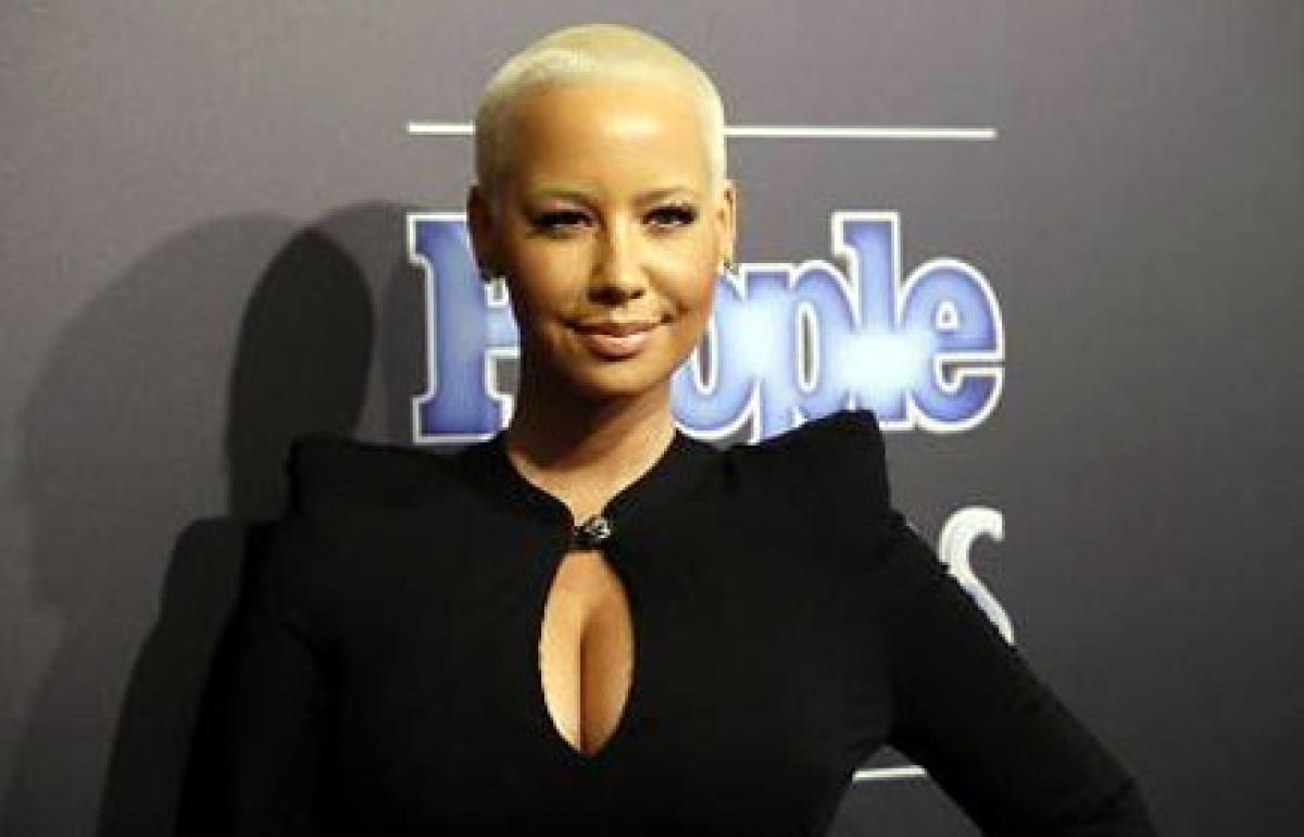 Amber Rose leaks phone number to Twitter followers