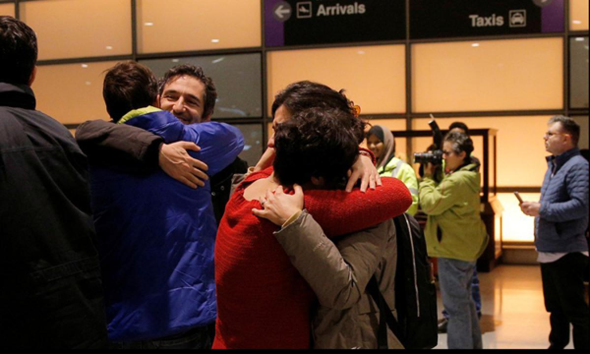 Graduate Iranian student returns to US after judge halts the travel ban order