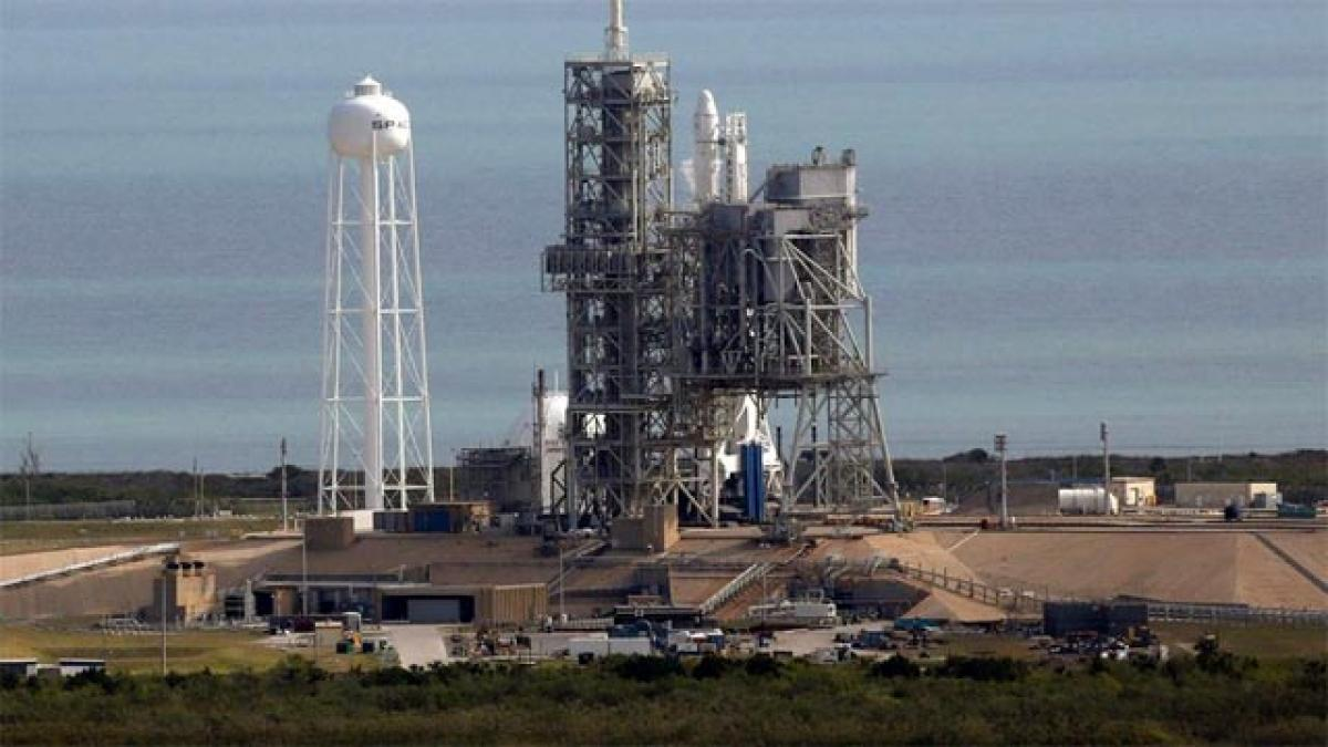 SpaceX launches rocket