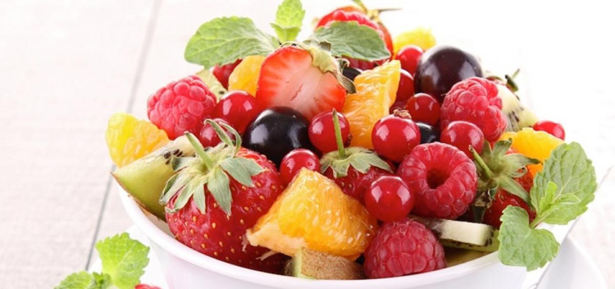 How to eat fruit the right way