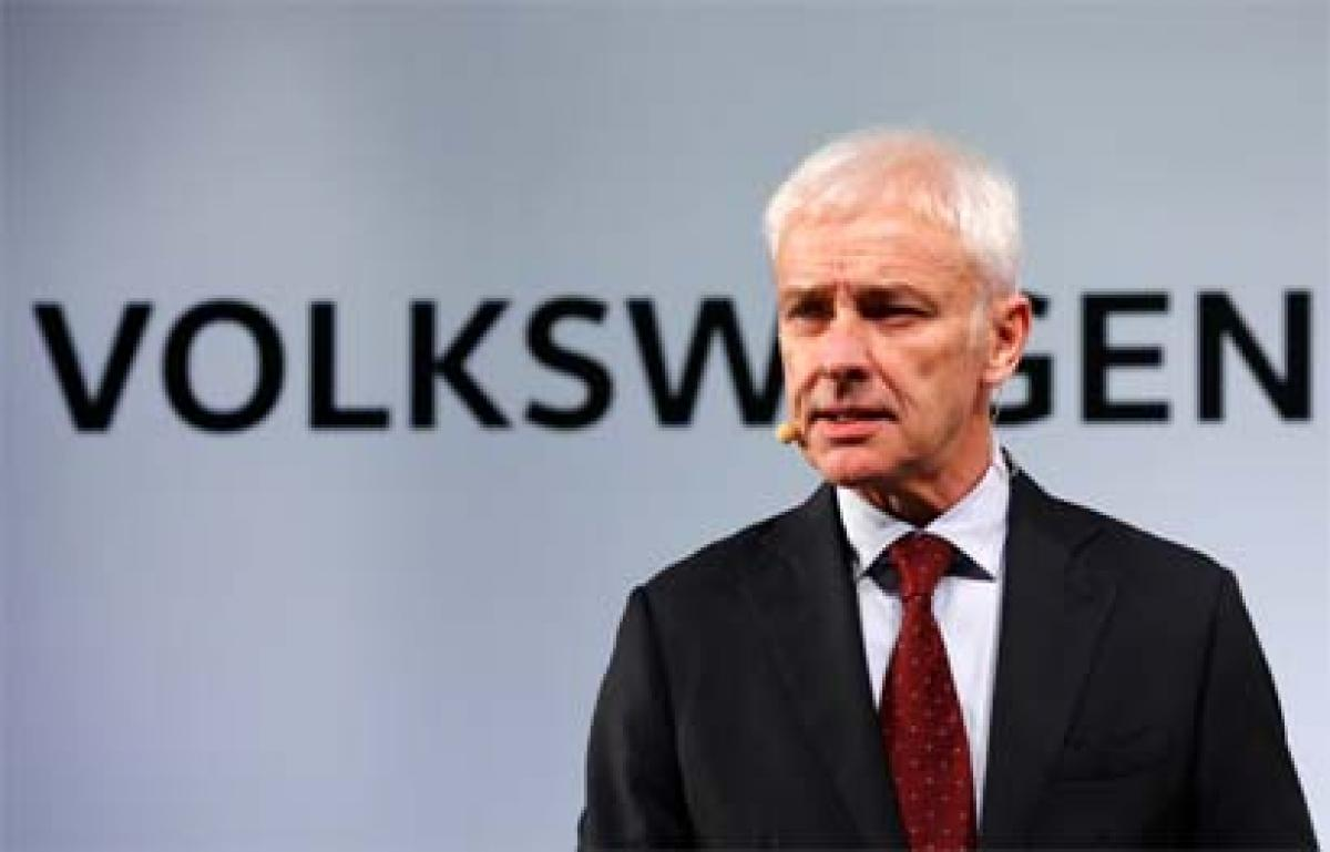 Volkswagen chief apologizes over emissions scandal on first US trip