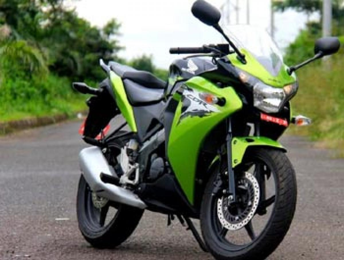 Honda CBR150R launched in three new colours