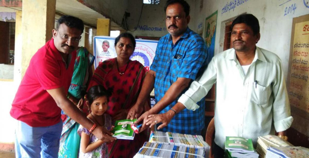 Foundation distributes notebooks to students