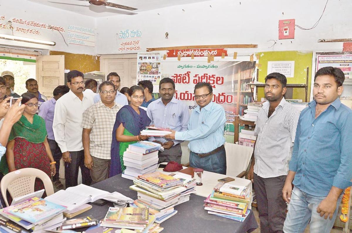 Study standard books, AJC advises students