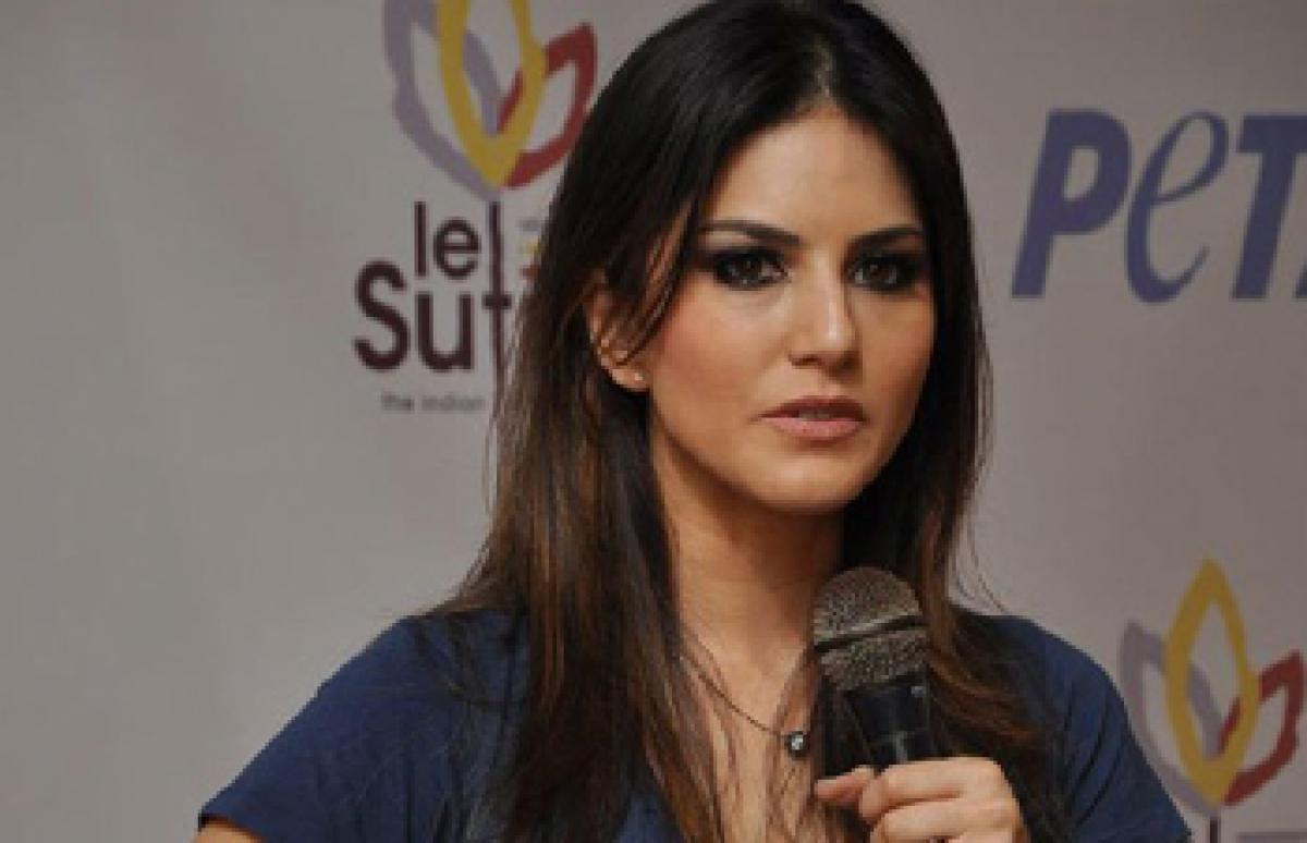 Whats your rate at night? Reporter asks Sunny Leone who slaps him