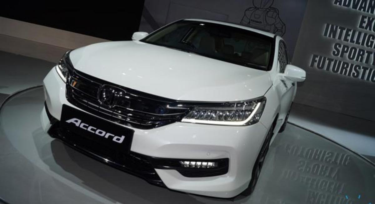 2016 Honda Accord caught testing