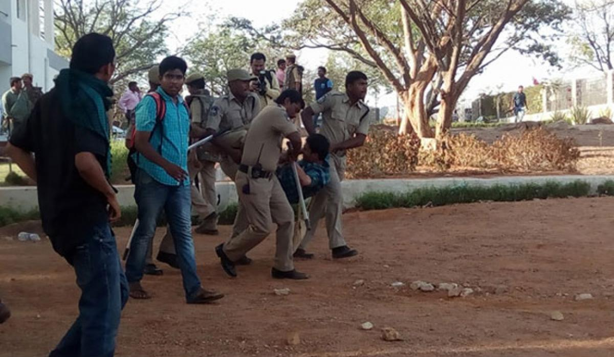 Condemn police brutality on students and teachers in University of Hyderabad