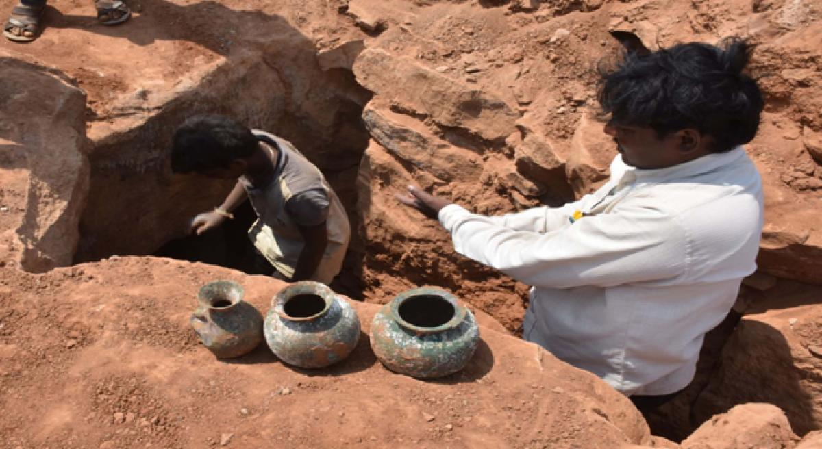 Ancient copper pitchers found at Rudraksha Mutt