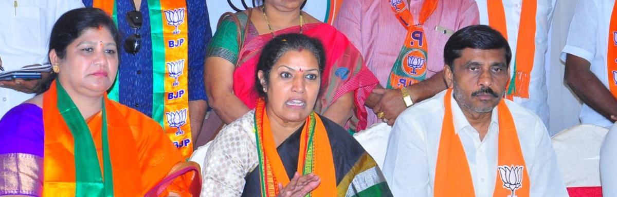 Telangana Govt doesn't interfere in CBI's affairs: Purandeswari