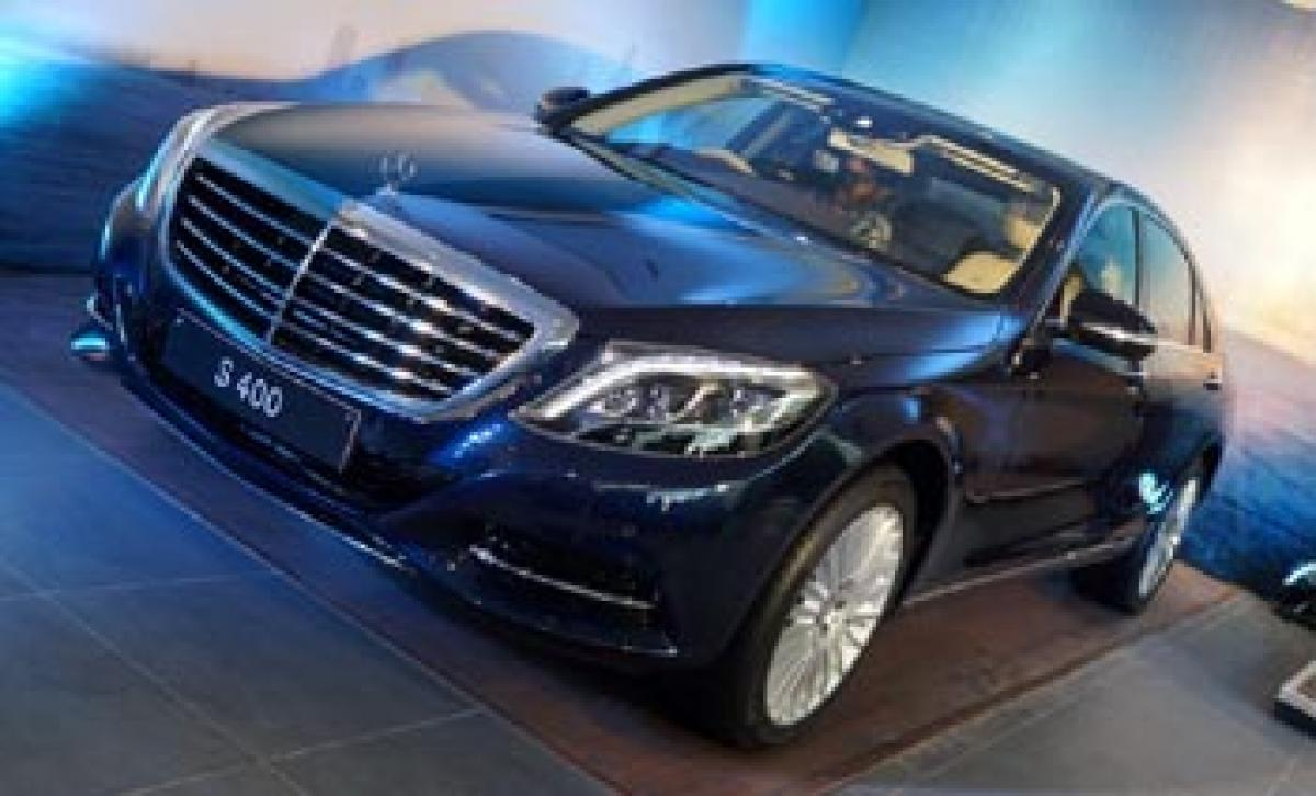 Mercedes drives in S 400 at 1.31 crore