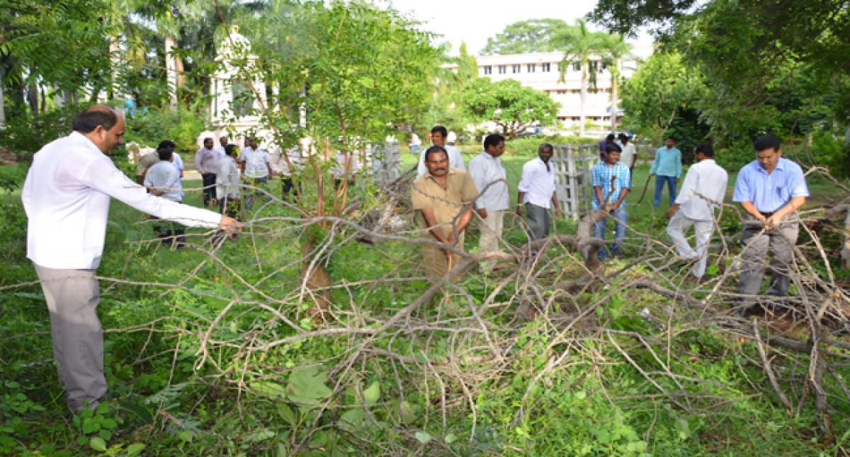 SCCL observes Swachh Pakwada in Kothagudem
