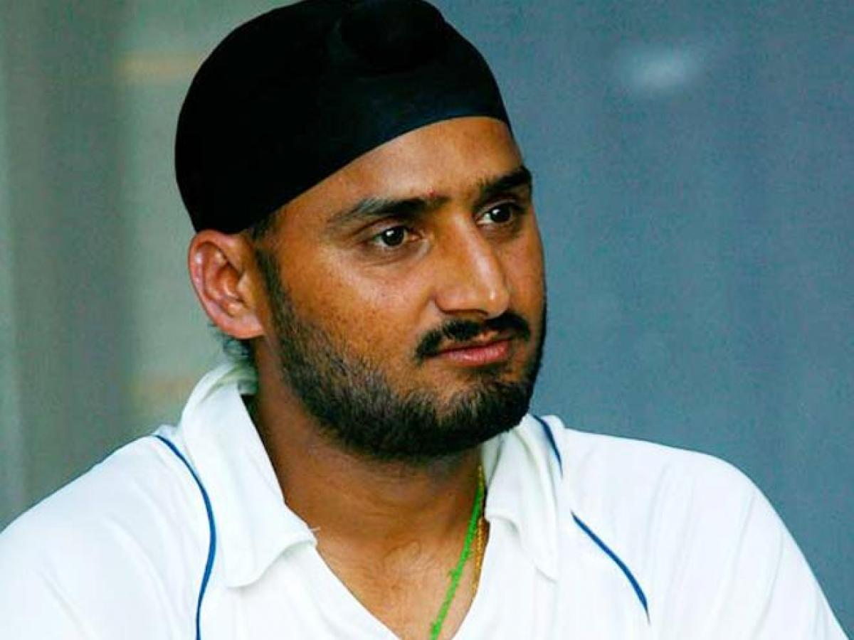 Harbhajan Singh lashes out at racist Jet Airways pilot