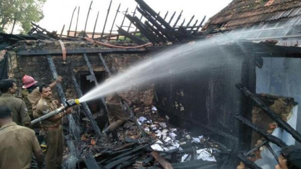 Fire breaks out near Padmanabhaswamy Temple, godown gutted