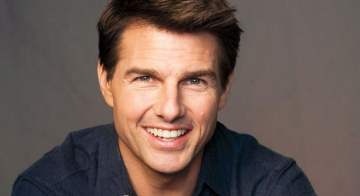 I am a total romantic, says Tom Cruise