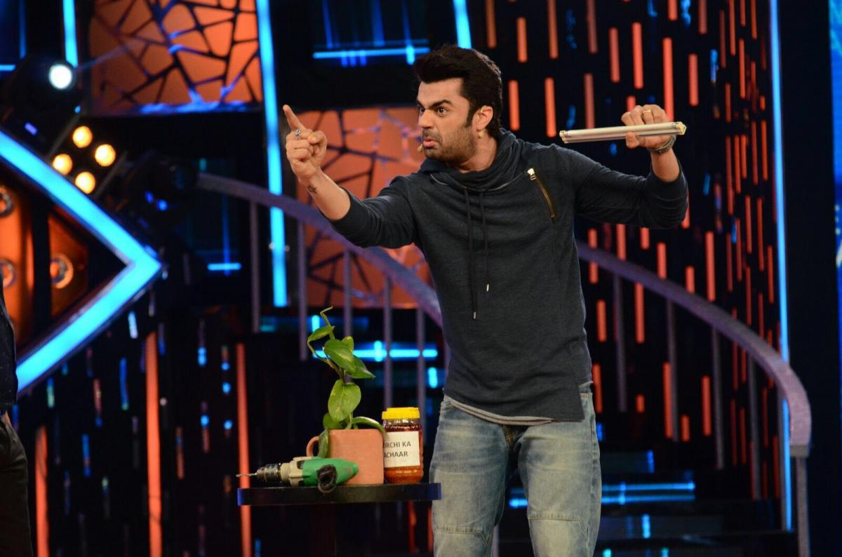 Photos: Manish Paul,  Salman Khan promote Tere Bin Laden Dead or Alive in Bigg Boss