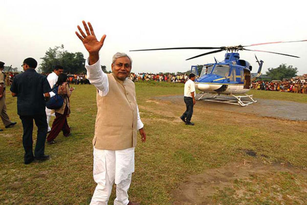 Politicians reach out to Bihar voters in Helicopters