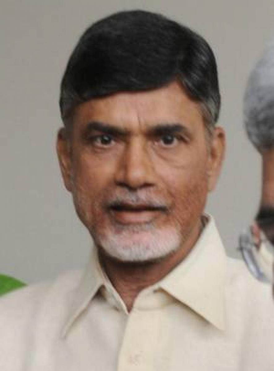Chandrababu supporters file defamation case against KCR in AP