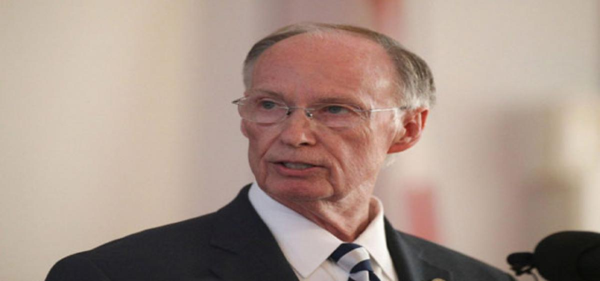 Alabama Governor quits amid sex scandal