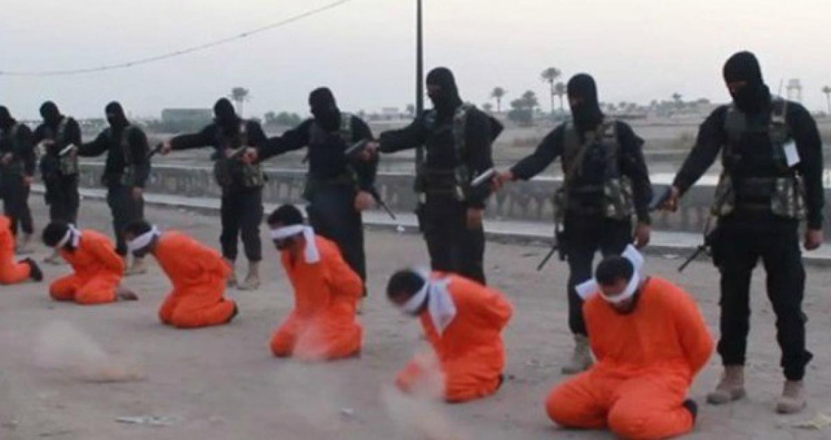 IS executes 300 civil servants in Mosul