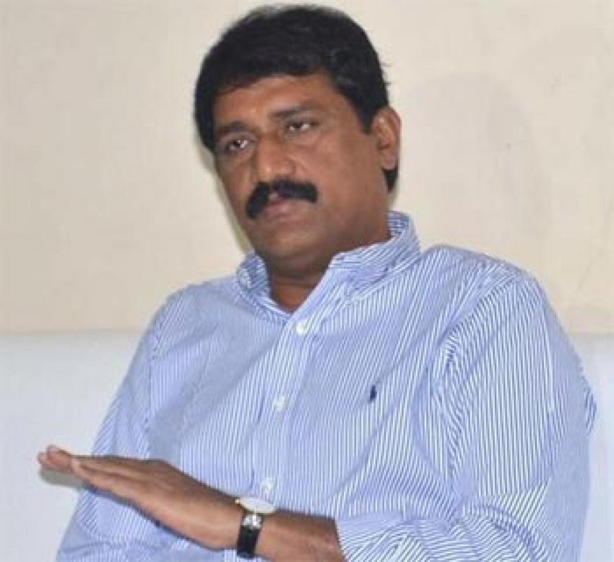 Minister distributes exgratia