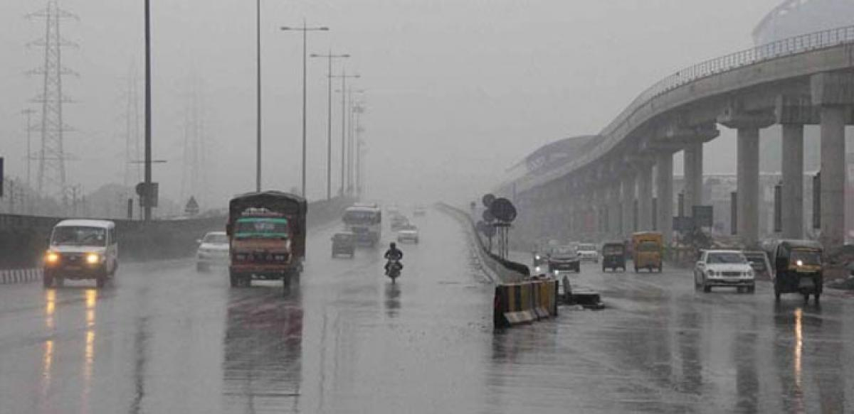 Foggy Monday morning in Delhi