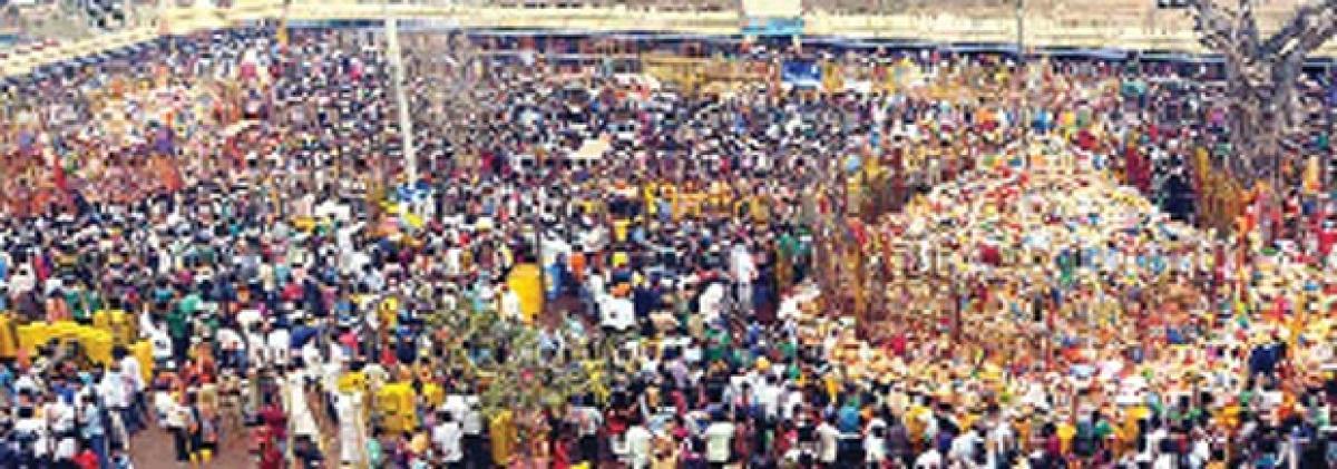 1 crore devotees visit Medaram