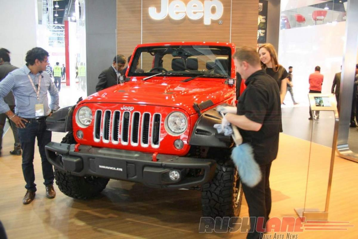 Check out: Jeep Wrangler features at Auto Expo 2016