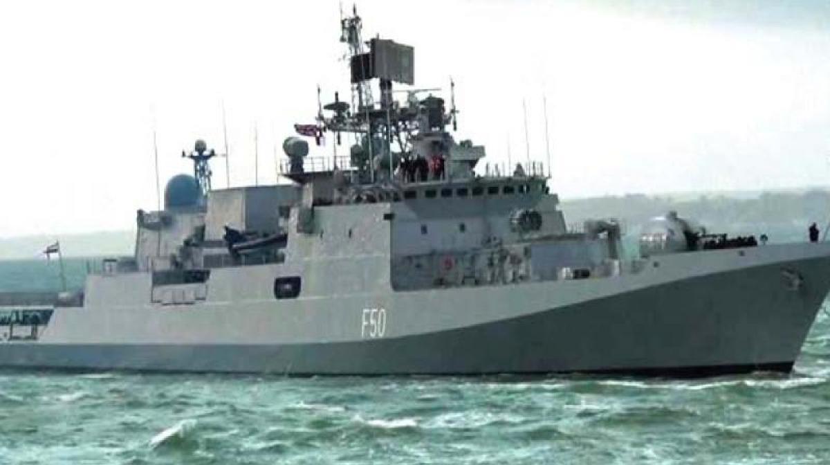 Somali pirates flee hijacked Indian cargo ship, take crew member hostage