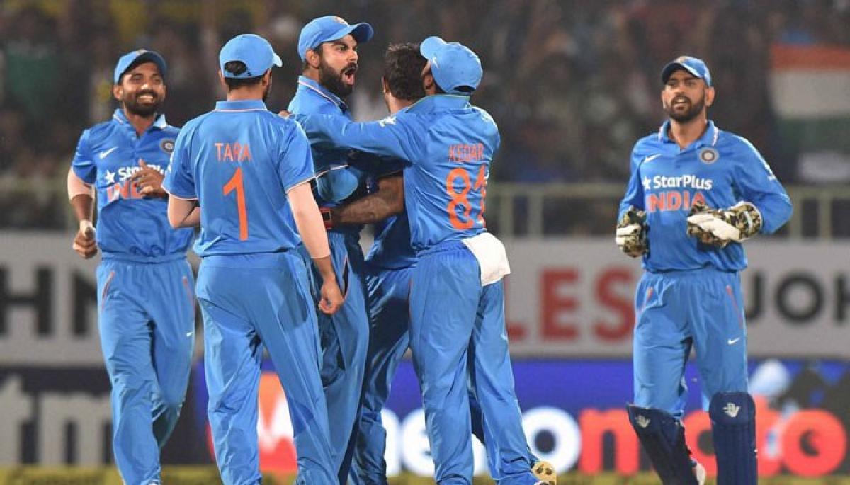 England set 322-run target, India eyes series whitewash
