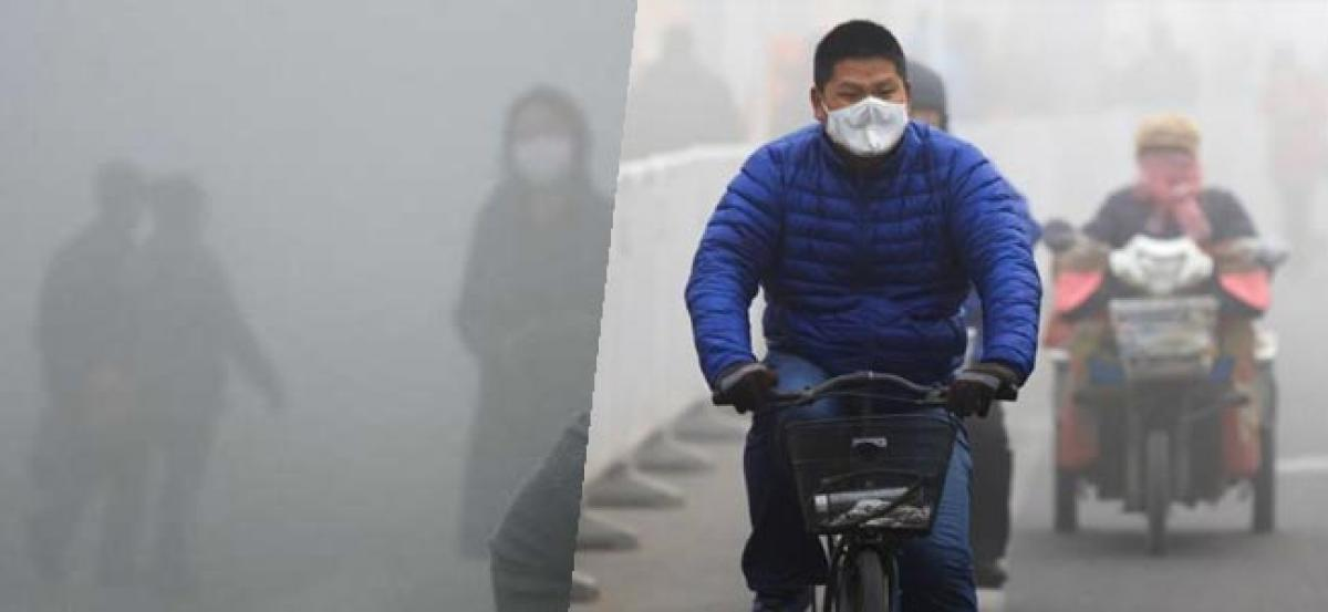 Beijing fails to enact smog contingency measures