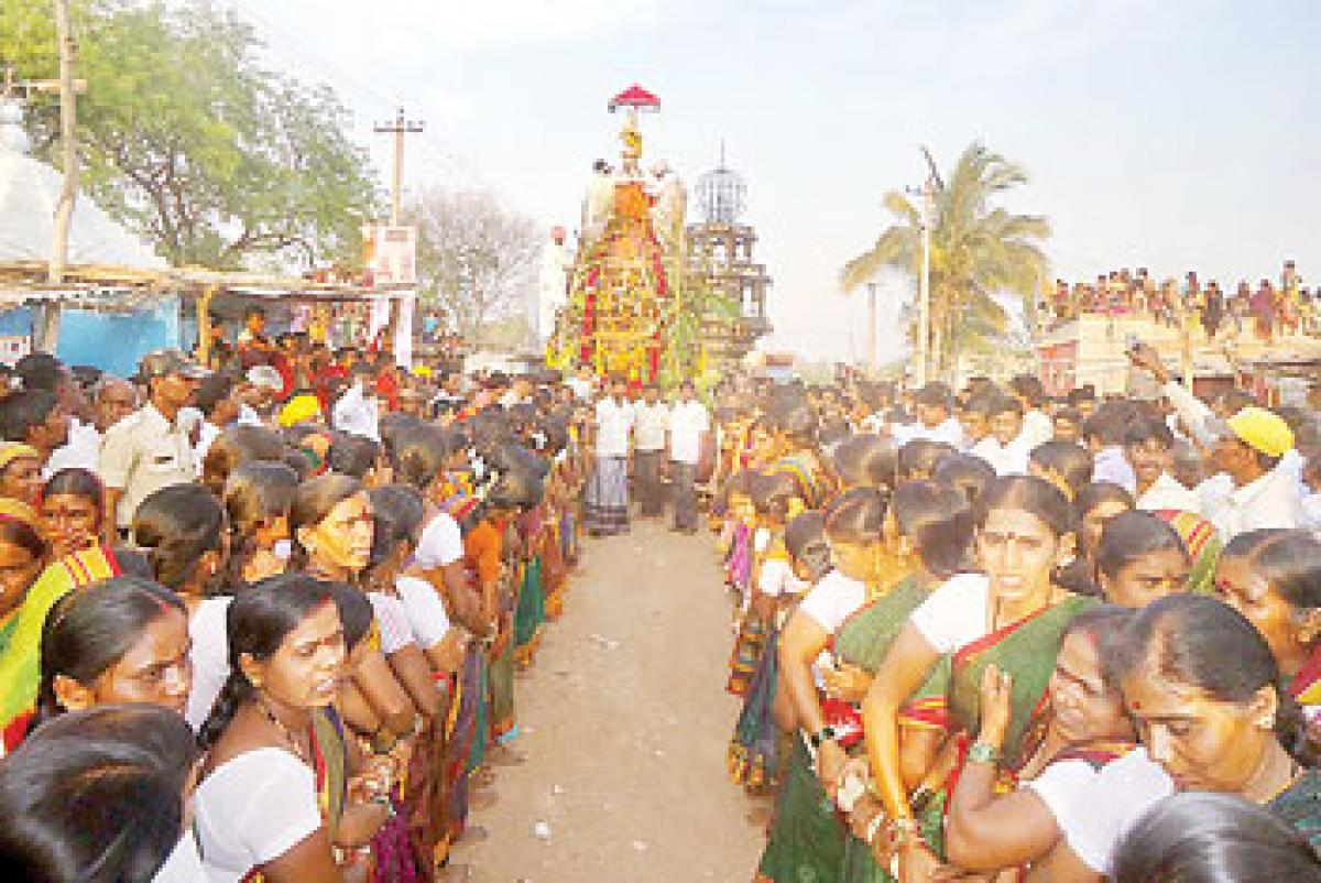 Women take part in cart festival for first time