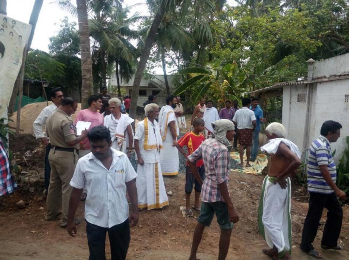 Villager threatens sarpanch at gun point, arrested