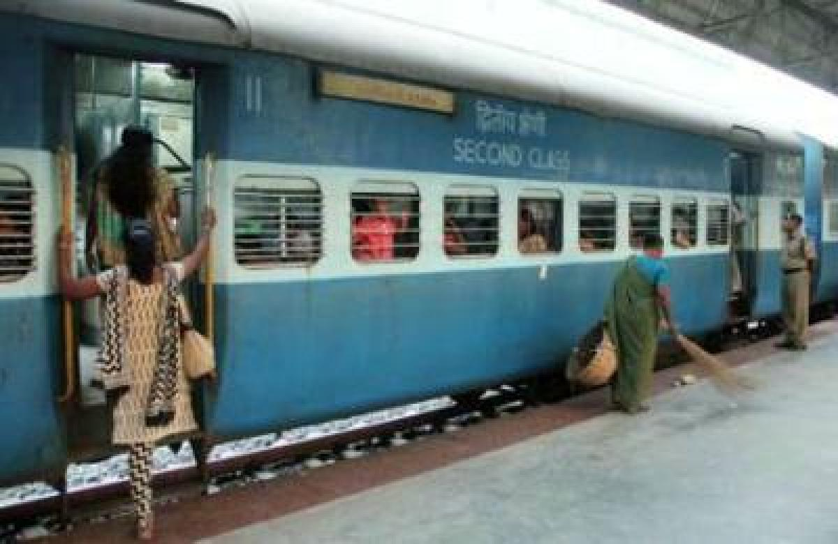 Train accident averted in Gujarat