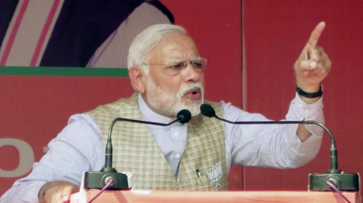 'Cong not afraid of such threats': Ahmed Patel slams Modi over horoscope remark