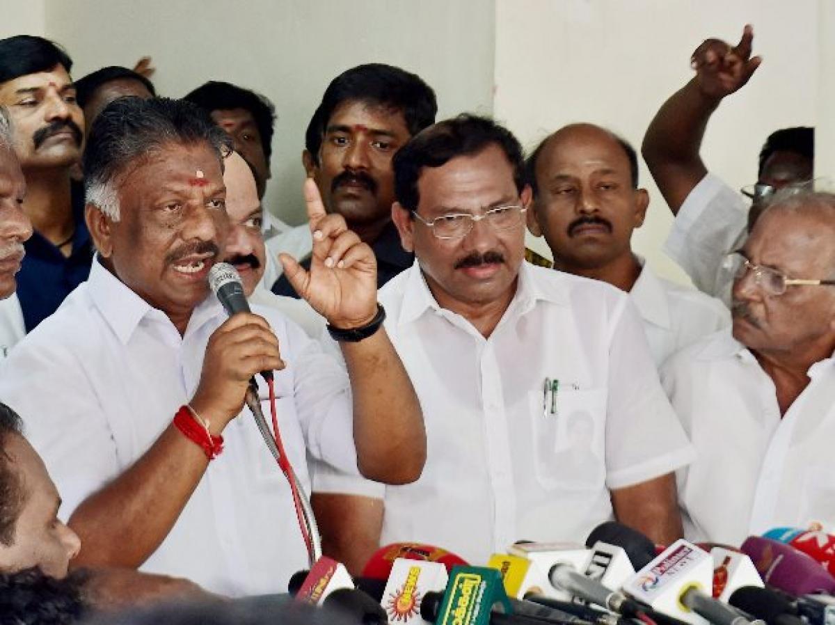 Panneerselvam camp, DMK, Congress welcome SC verdict in DA case